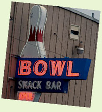 Neon bowling alley sign - Oregon